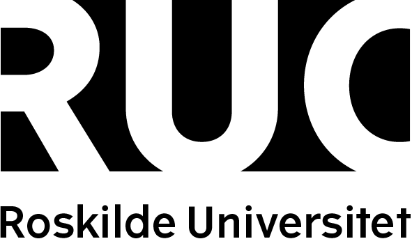 RUC ROSKILDE UNIVERSITET BLACK TEKST UNDER LOGO CMYK